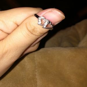 Jewelry - Beautiful silver interlocking hearts ring